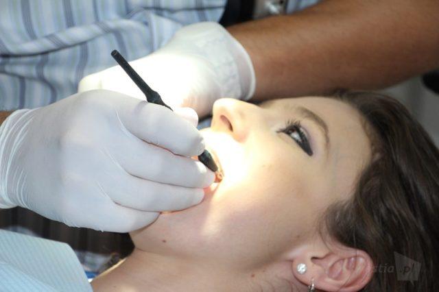 srebro i złoto w dentystyce