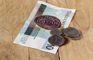 ile pieniędzy potrzeba, aby przeżyć miesiąc w Polsce
