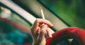 zakaz palenia w aucie